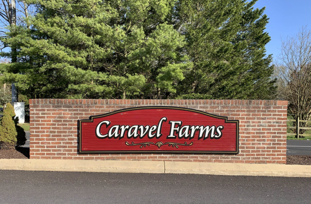 Caravel Farms Entry Sign