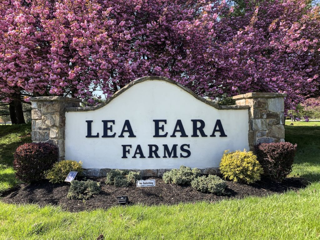 Lea Eara Farms Entry Sign
