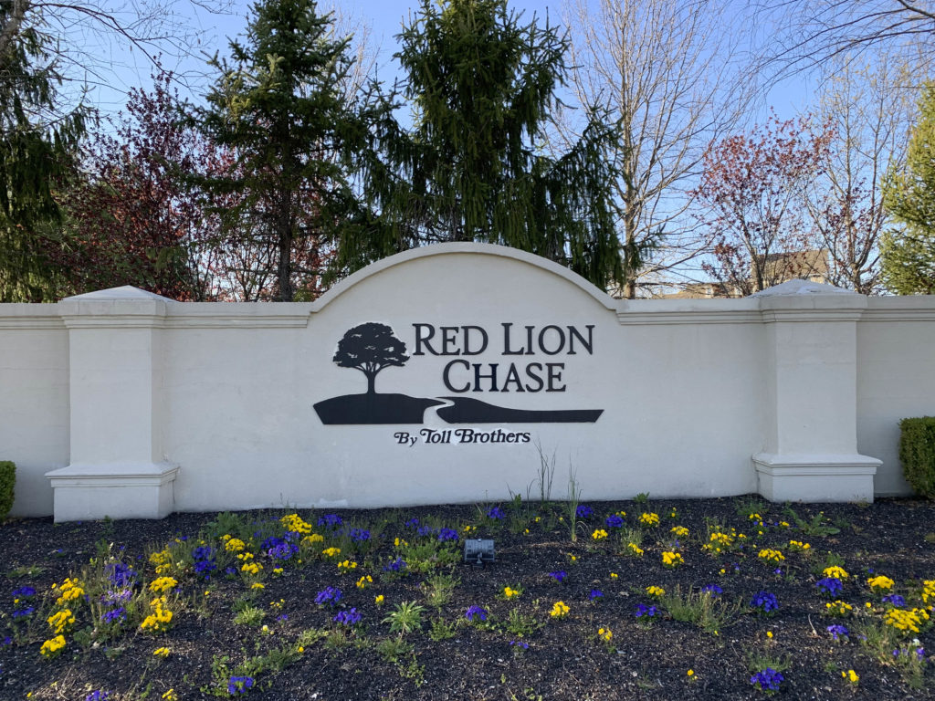 Red Lion Chase Entry Sign