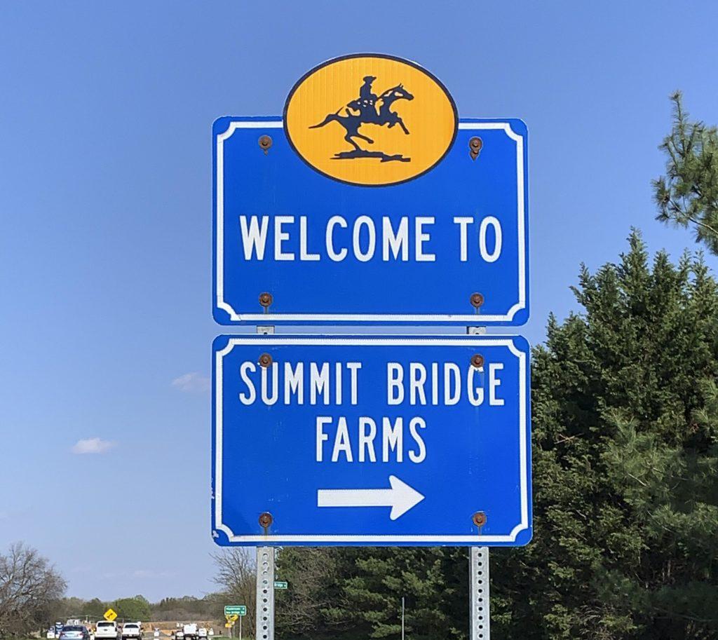 Summit Bridge Farms Entry Sign