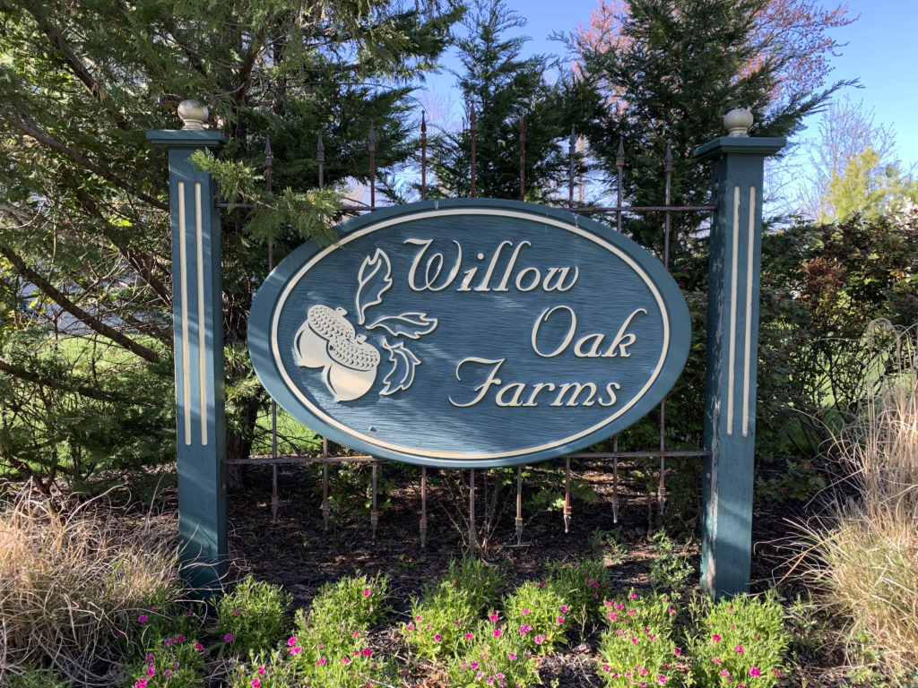 Willow Oak Farms Entry Sign